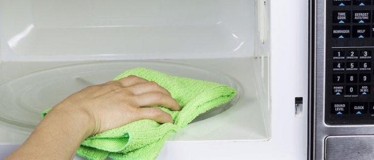 Как почистить микроволновку от жира