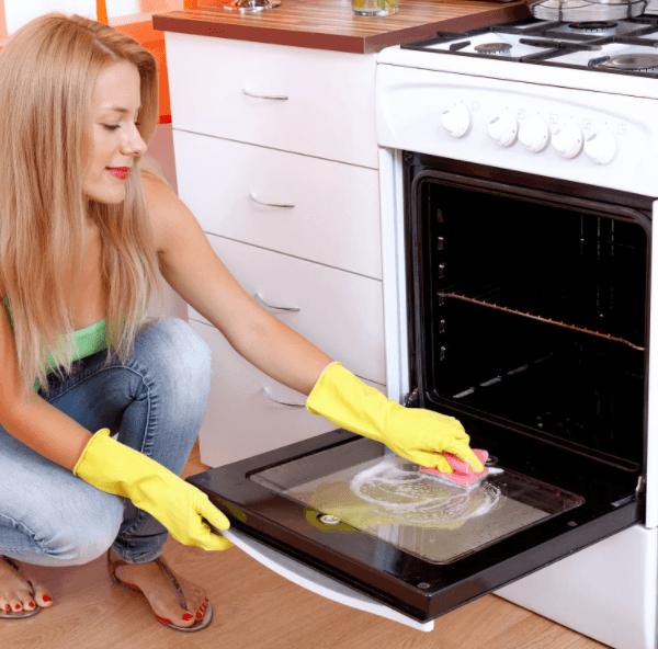Эффективная чистка духовки газовой плиты